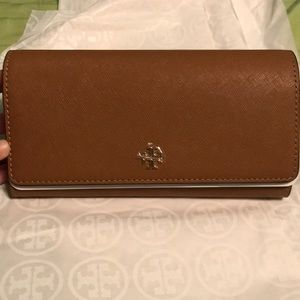 Brand New! Tory Burch Emerson Continental wallet